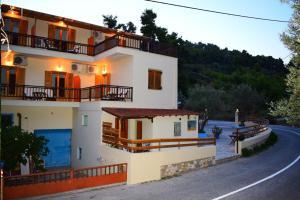 Pension Oasis Alonissos Greece
