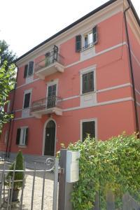Rivaro Palace