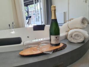B&B Drenthe, Bed and Breakfasts  Westerbork - big - 7