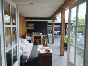 B&B Drenthe, Bed and Breakfasts  Westerbork - big - 19