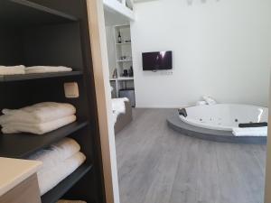 B&B Drenthe, Отели типа «постель и завтрак»  Вестерборк - big - 17