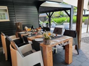 B&B Drenthe, Bed and Breakfasts  Westerbork - big - 22