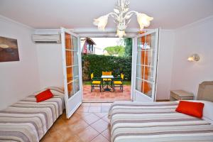 Triple Room Residence Hoteliere La Pinede Bleue