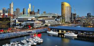 1201P Docklands 2Bed 1bath water view
