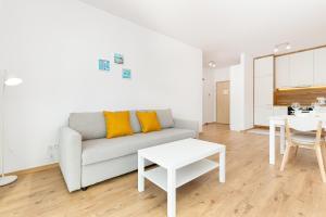 Apartments Gdańsk Przymorze Krynicka by Renters