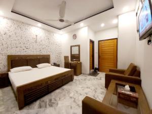 Hotel Pakeeza One