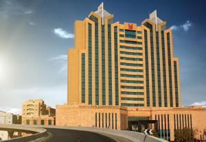 Millennium Hotel & Convention ..