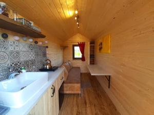 Cozy wooden Tiny House on the little island