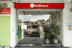 RedDoorz Hostel @ Kallang MRT (SG Clean)