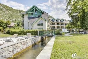 Appartement les Pieds dans l'eau - Hotel - Duingt