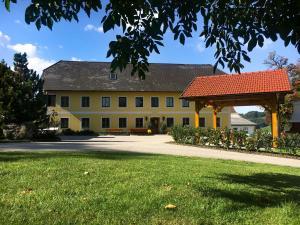 Familienbauernhof Salmanner - Hotel - Steinbach an der Steyr