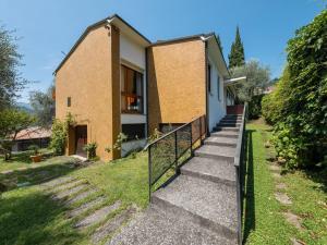 Detached villa with garden a short distance from t - AbcAlberghi.com