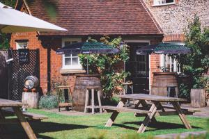 The Stag and Huntsman at Hambleden, Bed and Breakfasts  Henley-on-Thames - big - 3