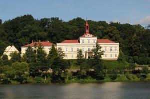 Auberges de jeunesse - Penzion Zámek Rozsochatec