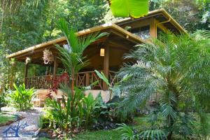 Casa Bromeliad in Enchanting Botanical Garden, Manzanillo