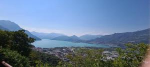 Quiete di montagna sul lago di Iseo - AbcAlberghi.com