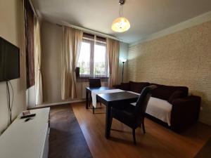 Lux Apartment Art