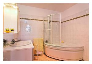 Au Pichet, Bed & Breakfast  Saint-Orens - big - 3