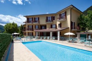 Hotel Astra, Tignale, Italy   J2Ski