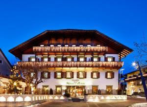 Hotel Weisses Lamm - مونغيلفو