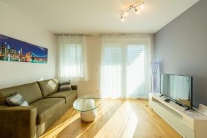Vienna City and SPA - Modern Apartments next to Therme Wien & 15 Minutes to the City Center