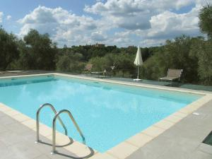 Farmhouse in front of Siena, with pool - AbcAlberghi.com