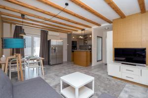 Apartma Tinkara