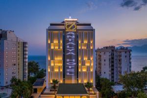 Отель Oz Hotels Antalya Hotel Resort & Spa, Анталия