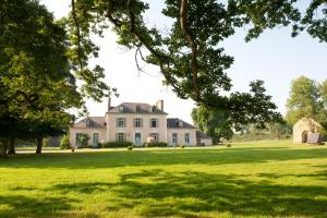 Château Du Pin - Les Collectionneurs, Bed and breakfasts  Iffendic - big - 1