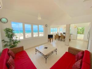 BEACH FRONT VILLA with PANORAM..