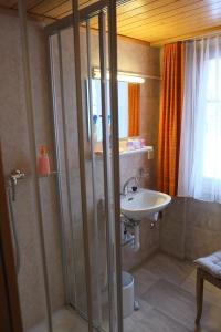 Hotel Tannenhof, Hotely  Zermatt - big - 32