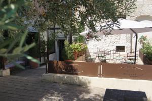 Location gîte, chambres d'hotes Hôtel La Muette dans le département Bouches du rhône 13