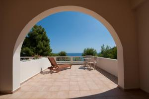 Alonissos Beach Bungalows And Suites Hotel Alonissos Greece