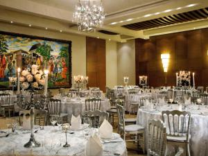 Mövenpick Ambassador Hotel Acc..
