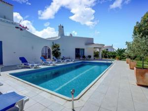 obrázek - Luxury villa in Carvoeiro Clube AC heated pool short walk to beach