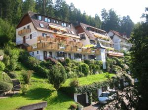 Hotel am Bad-Wald - Althengstett
