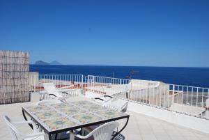 Vulcanoconsult Appartamenti Spiaggia - AbcAlberghi.com