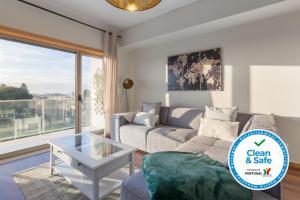 Luxurious Flat w/ Balcony | Garage by Host Wise, 4400-711 Vila Nova de Gaia