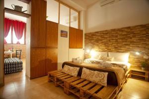 Apartment Via Leopoldo Pellas - AbcAlberghi.com