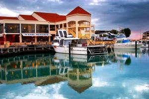 The Marina Hotel - Mindarie - Clarkson
