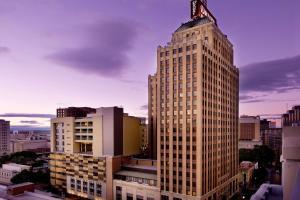 Drury Plaza Hotel San Antonio ..