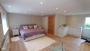 The Garden Room, 1 Heath Cottage