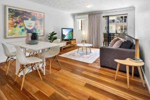 One-Bed Apartment With Balcony and Parking near CBD