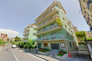 Sorrento Apartment Sleeps 2 with Air Con - AbcAlberghi.com