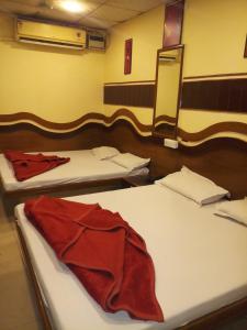 hotel diplomat inn