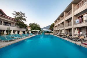 Отель Golden Life Resort, Олюдениз