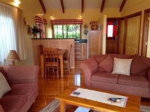 Jacaranda Park Holiday Cottages, Horské chaty  Burnt Pine - big - 3