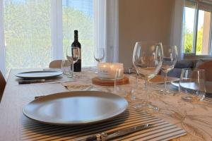 *****Coquette maison de Famille à 5 min des Thermes - Jardin - Terrasse - Hotel - Saint-Sauveur