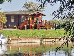 Bend in the River Lodge - Hotel - Stratford-upon-Avon