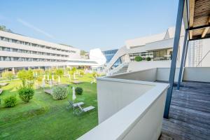Appartementhaus Karawankenhof - Hotel - Villach